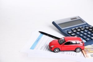 Cómo calcular el deducible de un seguro de auto