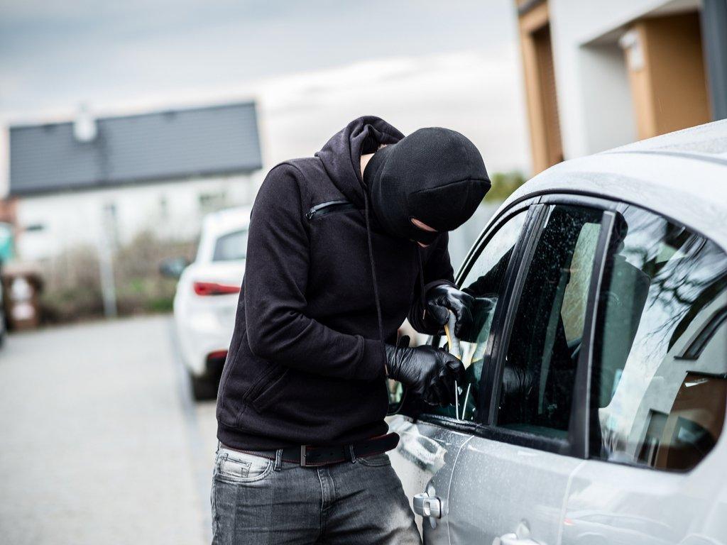 ¿Cómo reportar un carro robado?