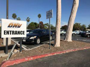 ¿Cuánto cobra el DMV por cambio de propietario?