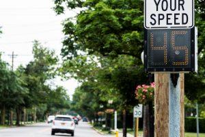 ¿Cuánto cuesta una multa por exceso de velocidad en Estados Unidos?