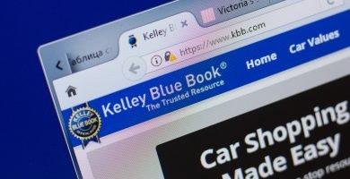 Cómo saber cuánto vale mi carro en el libro azul