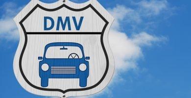 Cómo dar de baja un carro en el DMV