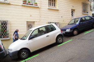 La forma correcta de estacionar tu carro en una pendiente