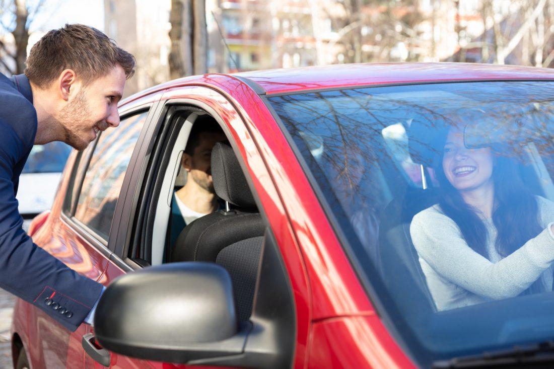 ¿Es posible ganar dinero compartiendo tu auto?