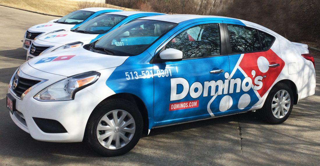 ¿Cómo ganar dinero mostrando anuncios en tu carro?