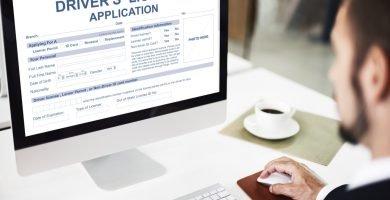 ¿Qué estados permiten renovar licencia de conducir online?