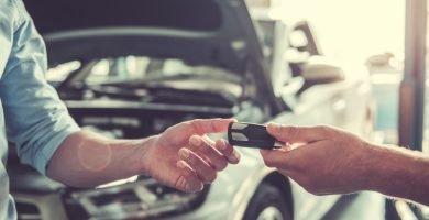 ¿Qué pasa si regreso mi carro a la financiera?